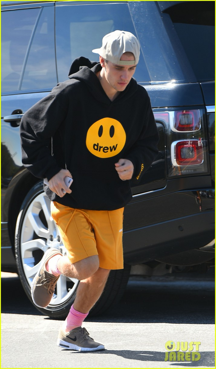 justin bieber goes for a run 11