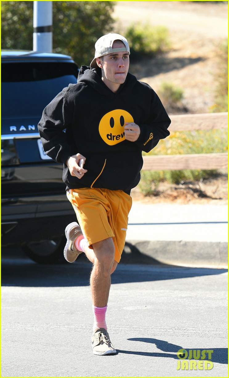 justin bieber goes for a run 14