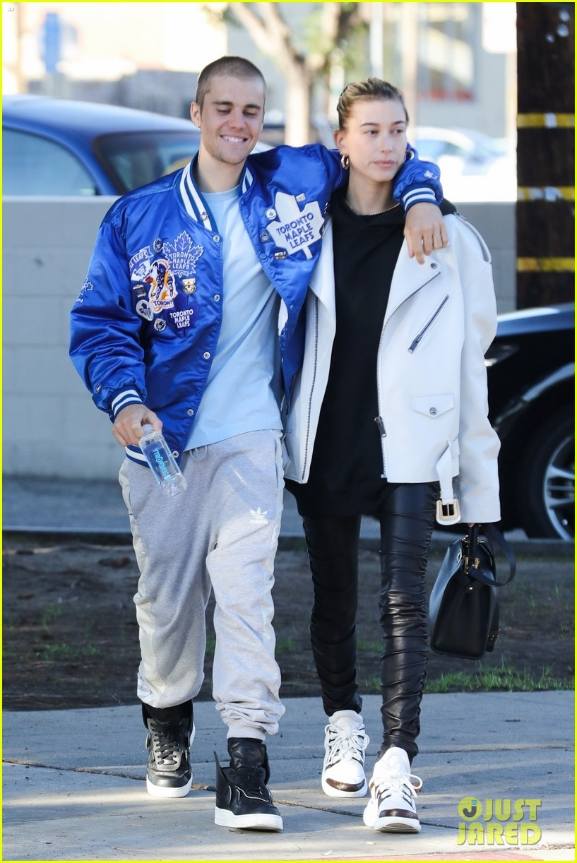justin bieber hailey baldwin saturday morning pics 01
