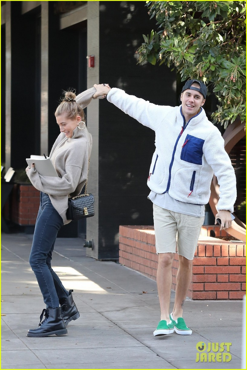 justin bieber spins wife hailey as they dance in the street 01