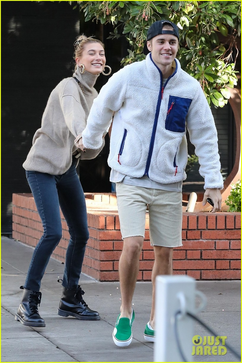justin bieber spins wife hailey as they dance in the street 05