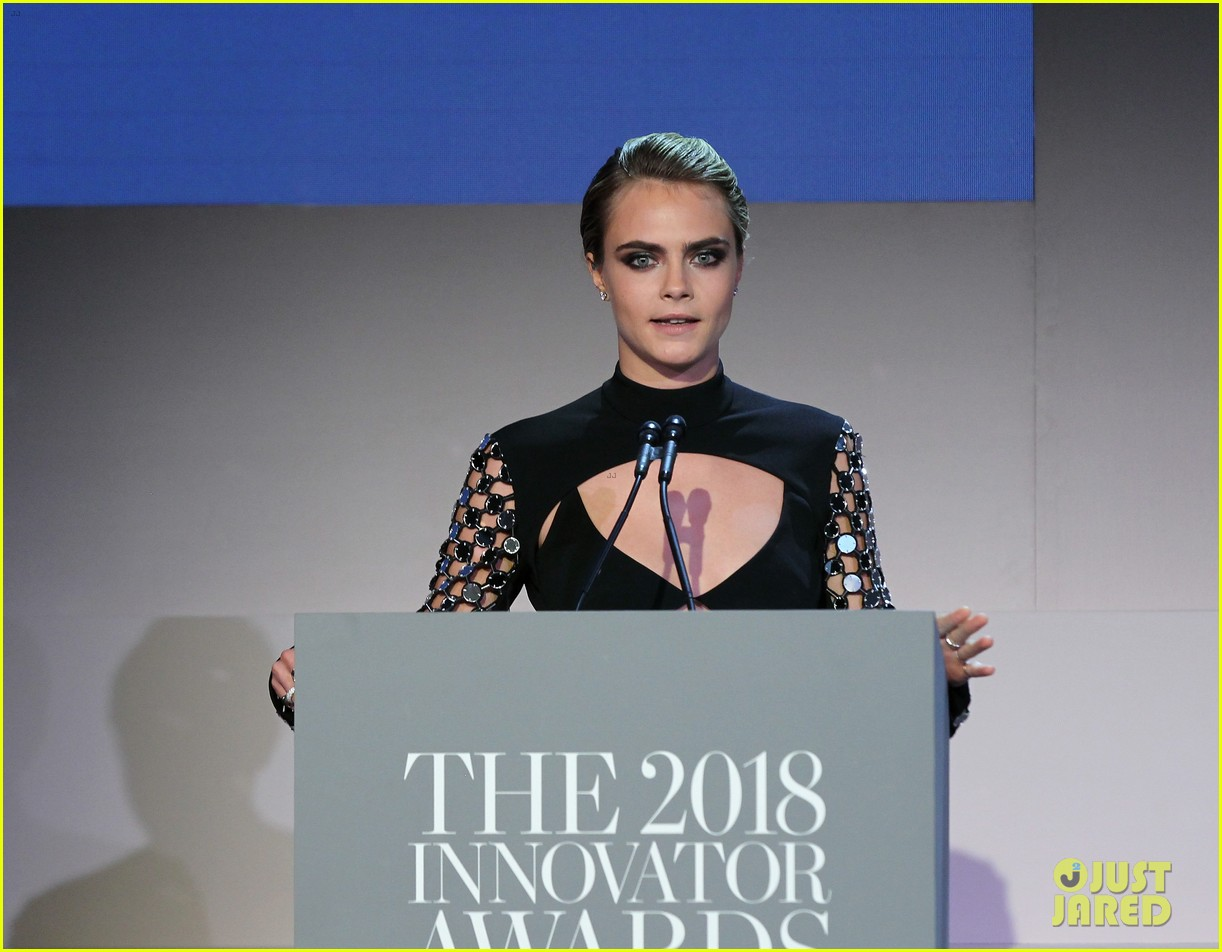 cara delevingne attends wsj magazine innovator awards honor phoebe waller bridge 04