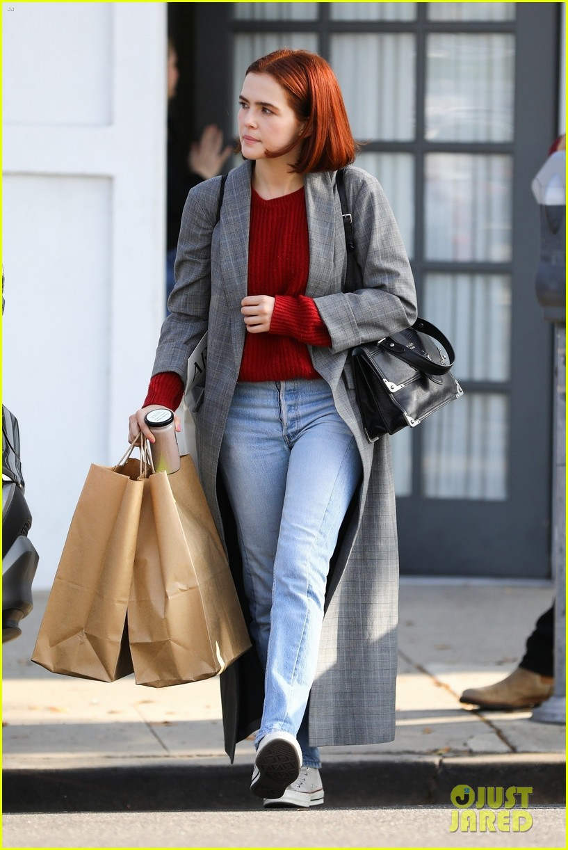 zoey deutch steps out with new red bob haircut 01