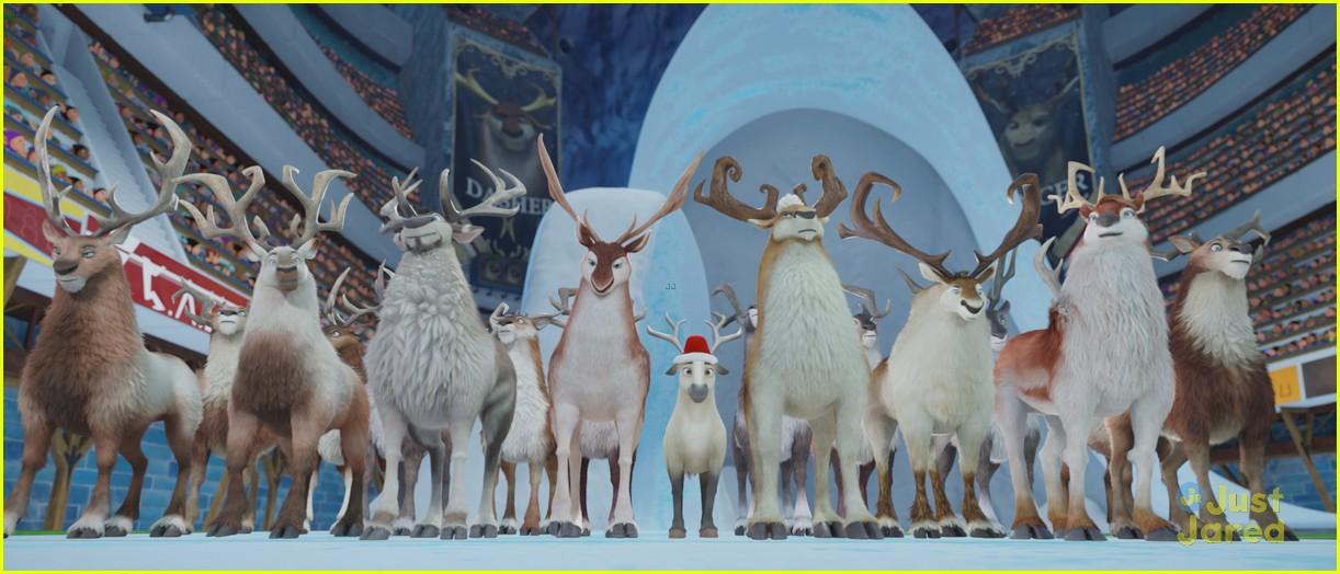 elliot reindeer clip exclusive 02