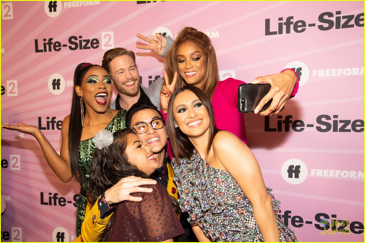 francia raisa life size 2 grownish support 04