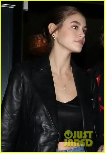 kaia gerber cindy crawford family dinner 09