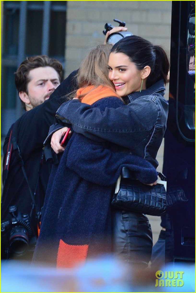 gigi hadid and kendall jenner share a hug outside of victorias secret fashion show rehearsals 04