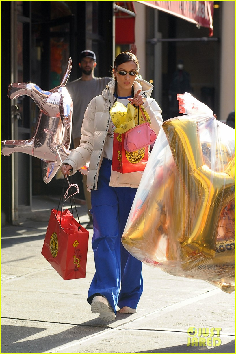bella hadid has some fun shopping for party supplies 06
