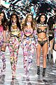 gigi hadid bella hadid victorias secret fashion show 2018 15