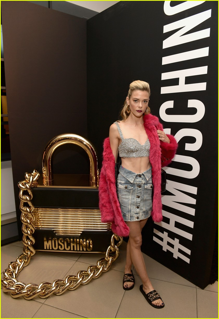hm moschino november 2018 06