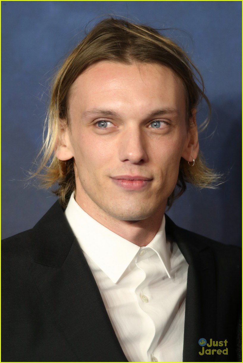jamie campbell bower ruby quilter