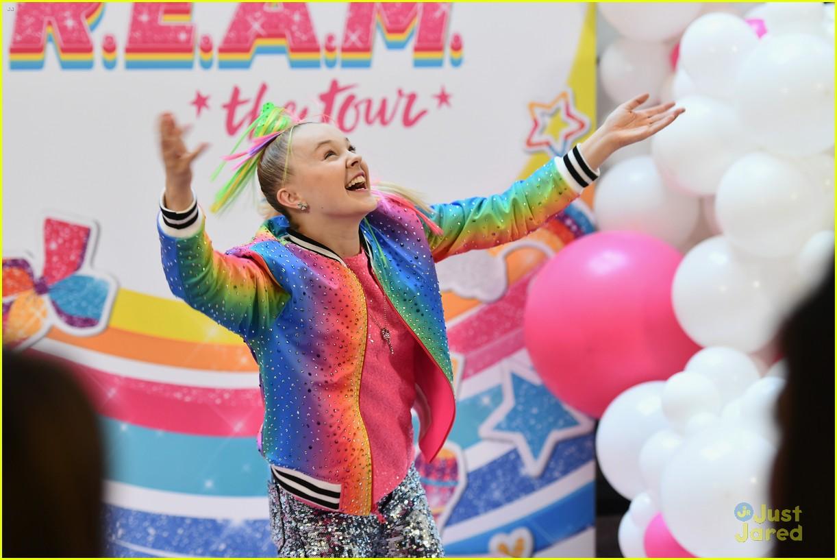 jojo siwa dream tour announcement event pics 02