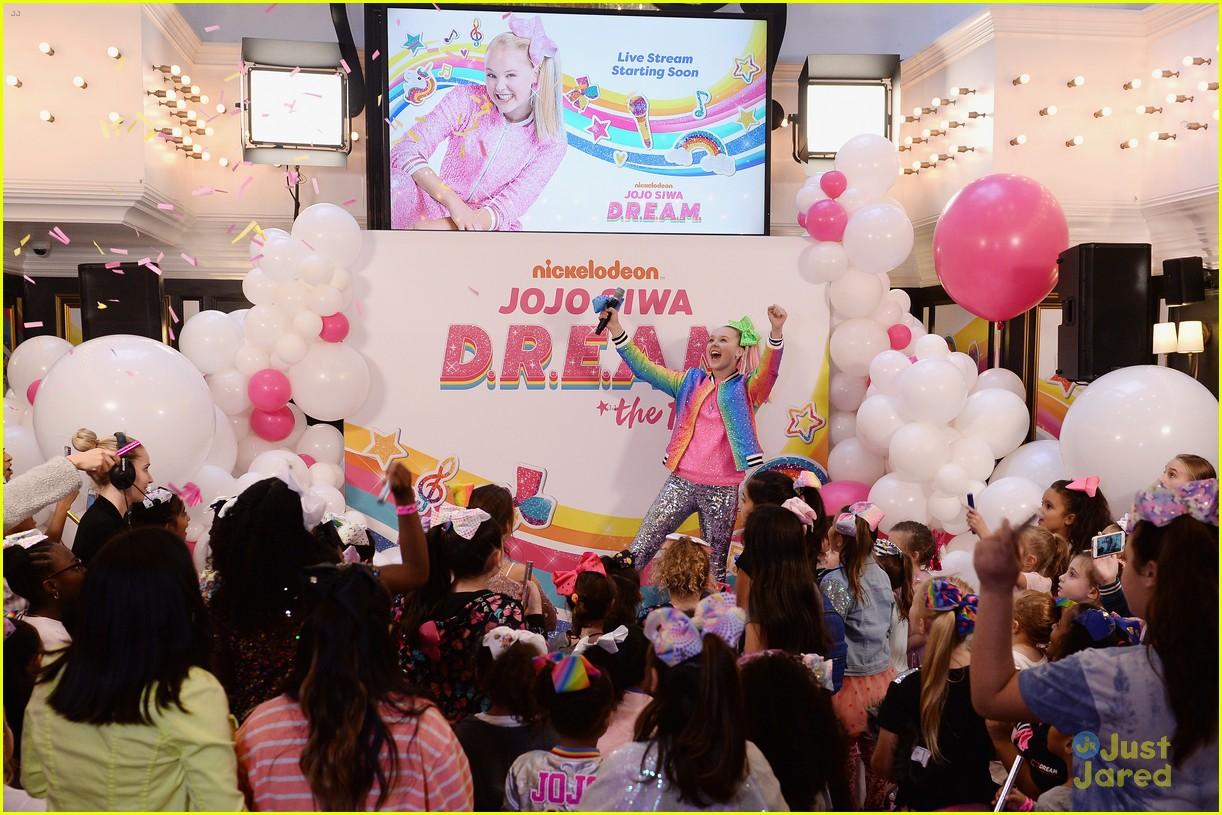 jojo siwa dream tour announcement event pics 21