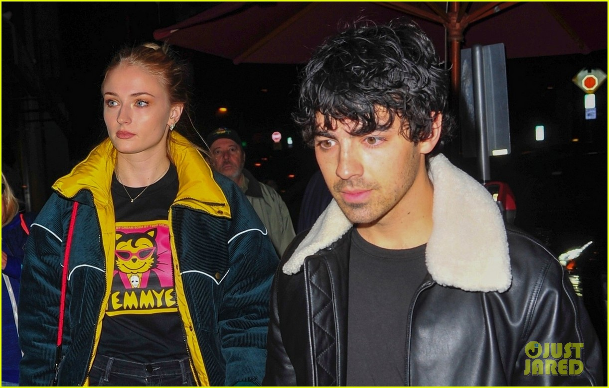 joe jonas and sophie turner enjoy a date night in weho 10