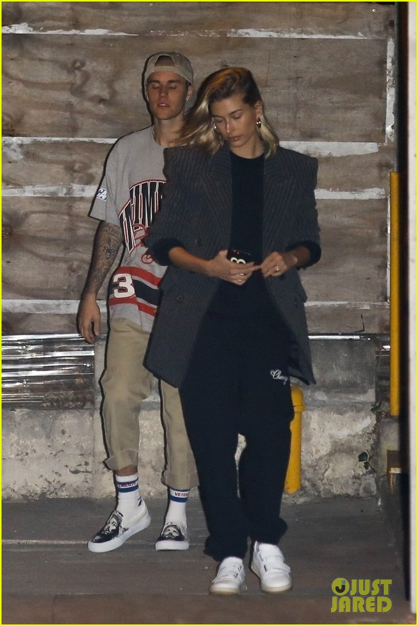 justin bieber hailey baldwin church october 2018 05