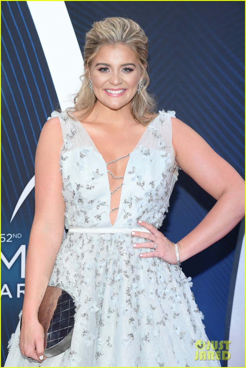 lauren alaina gives off princess vibes at cma awards 05