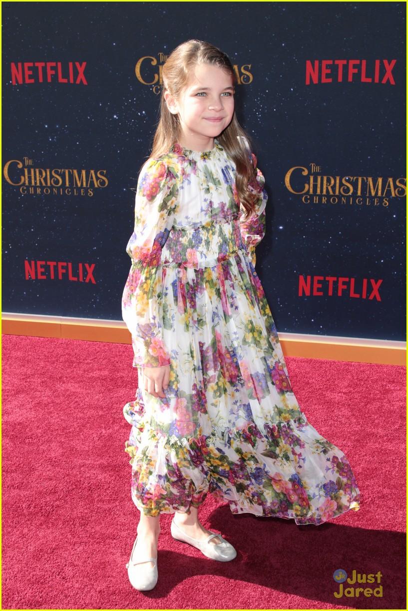 Christmas Chronicles Kate.Meg Donnelly Ariana Greenblatt Celebrate The Holidays At