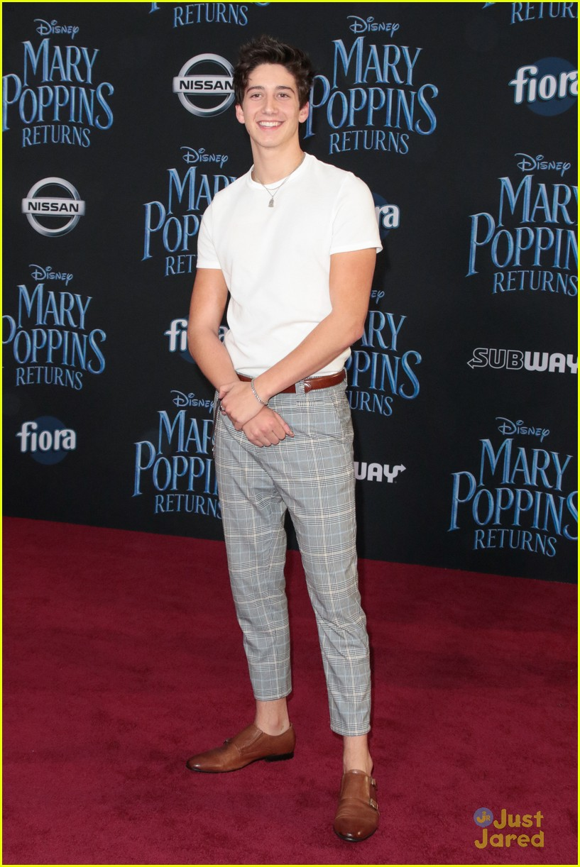 meg donnelly milo manheim more mary poppins premiere 05