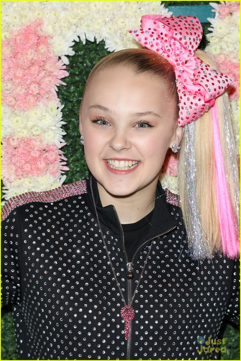 anna cathcart nia sioux baby ariel more tigerbeat 19 event 03