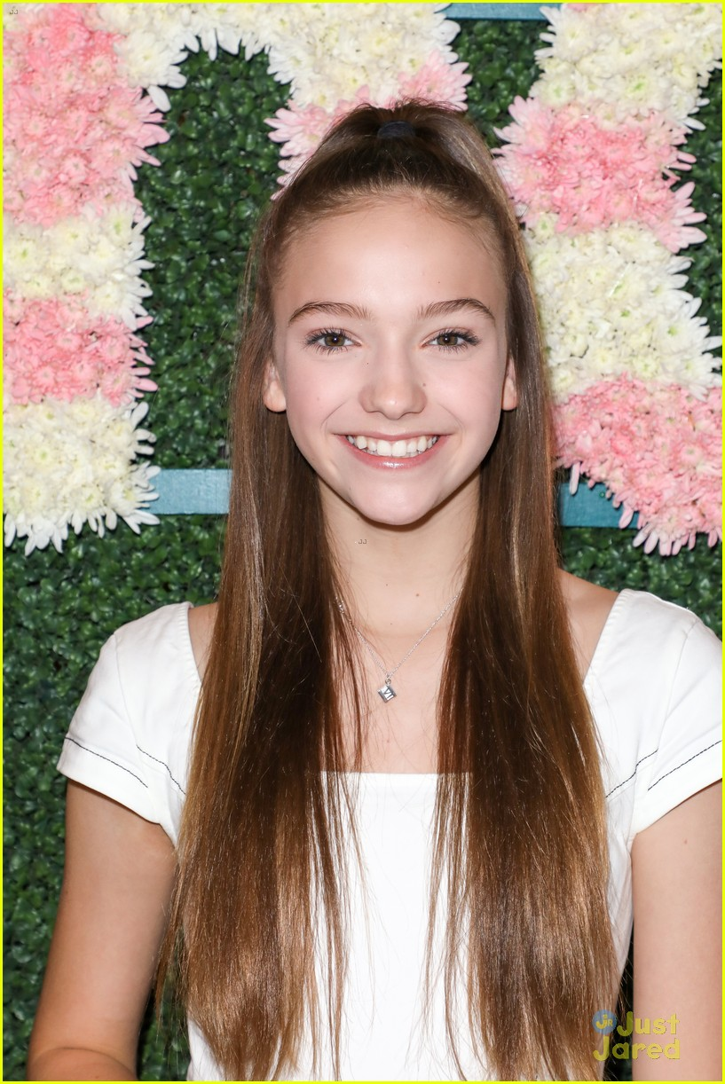 anna cathcart nia sioux baby ariel more tigerbeat 19 event 15