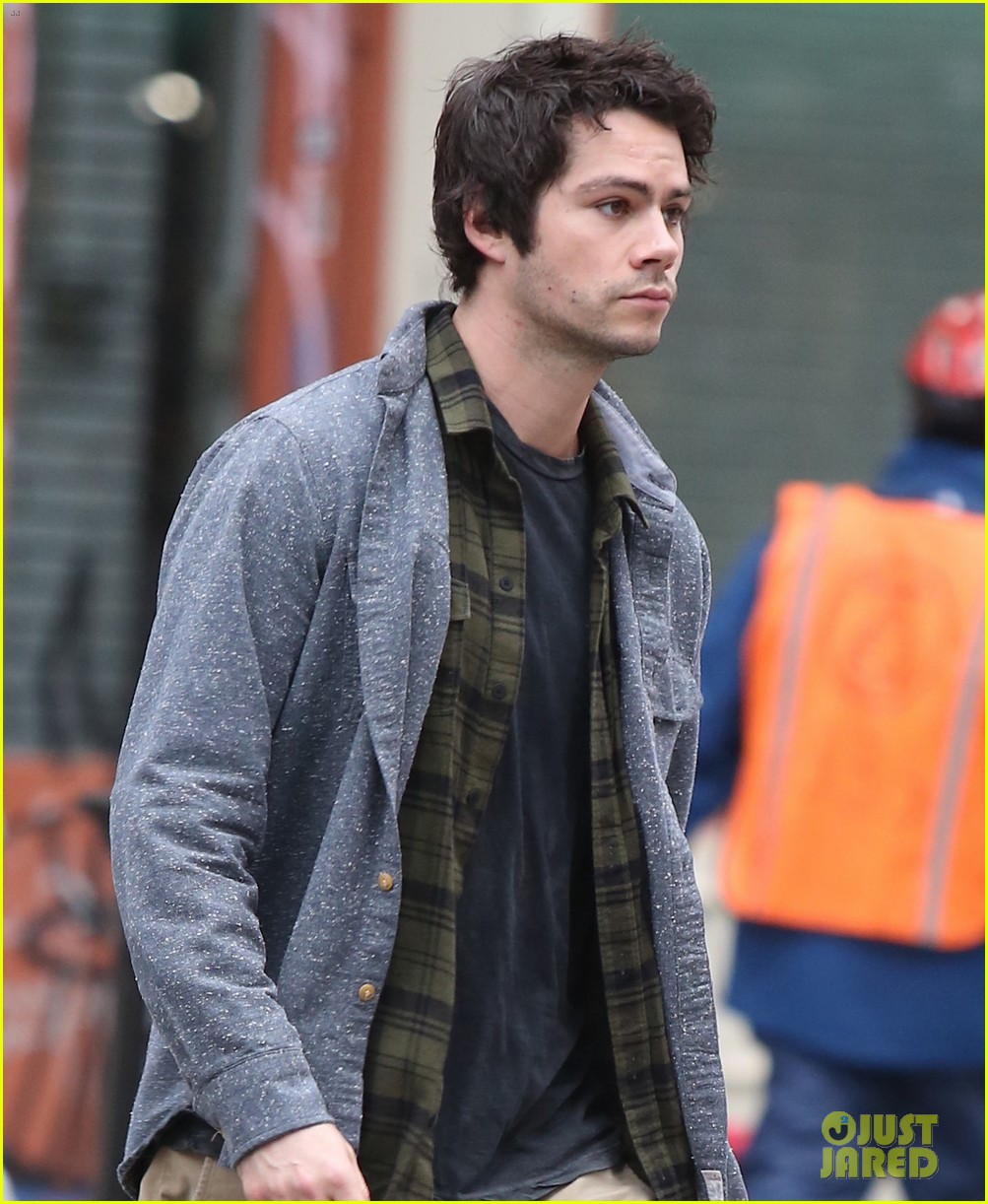 dylan obrien walks around soho 02