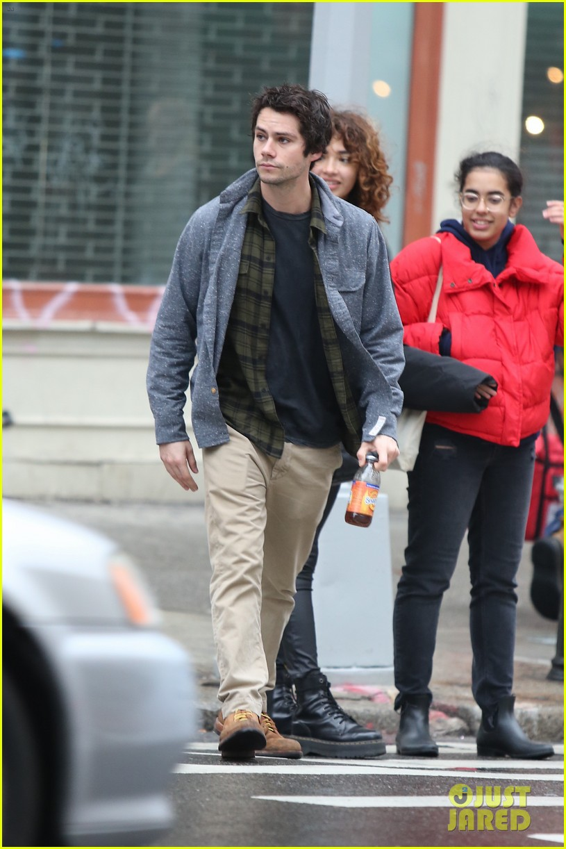 dylan obrien walks around soho 07