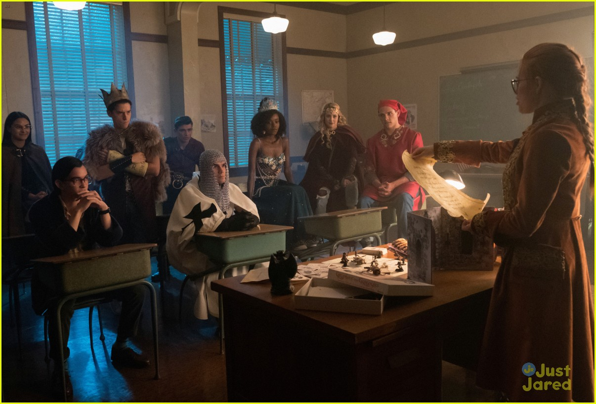 riverdale flashback episode details stills 05