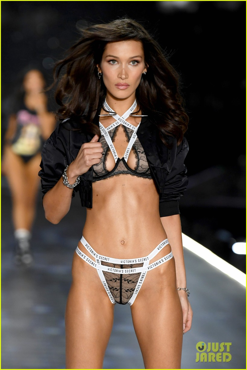 the weeknd supports bella hadid at victorias secret fashion show 16