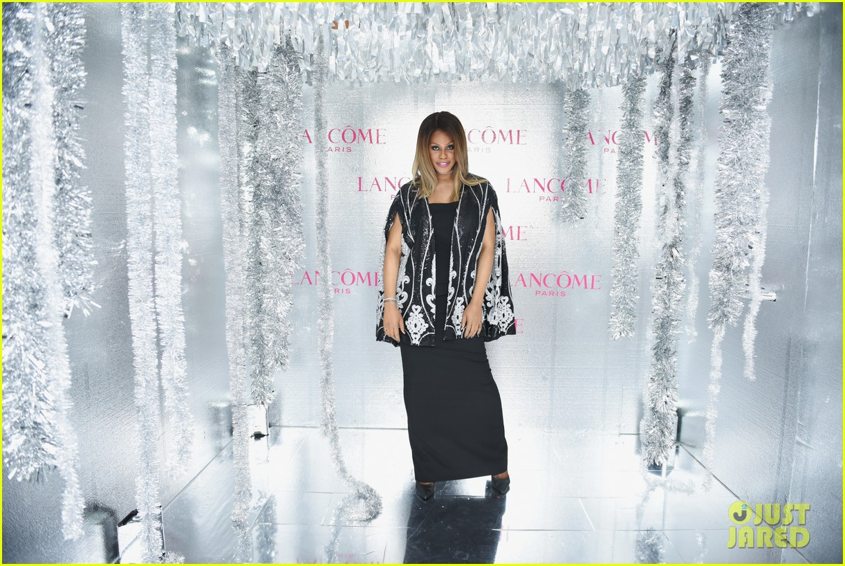 ariel winter and levi meaden join laverne cox at lancome and vogues holiday event 01