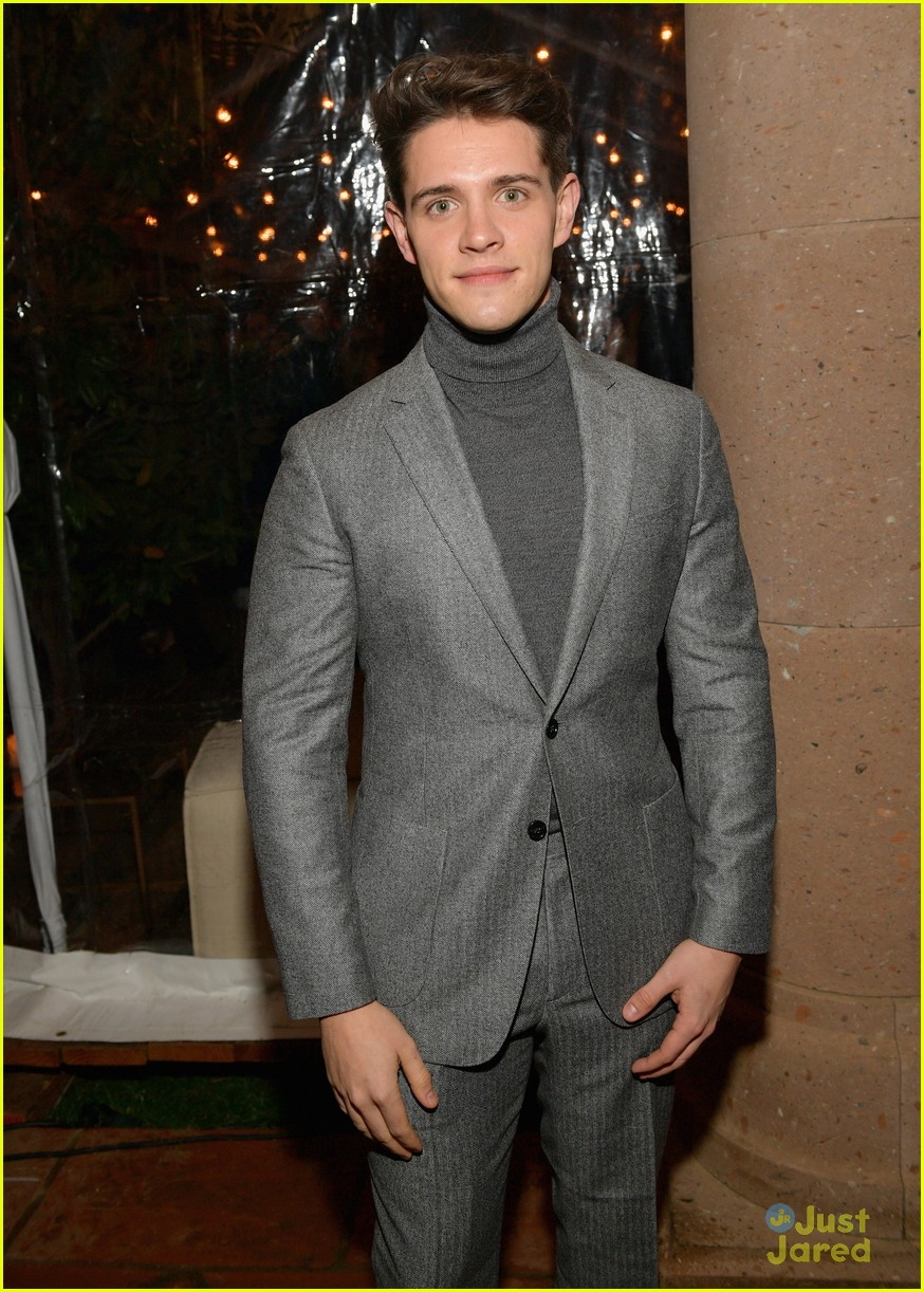 cole sprouse casey cott gq moty party 05