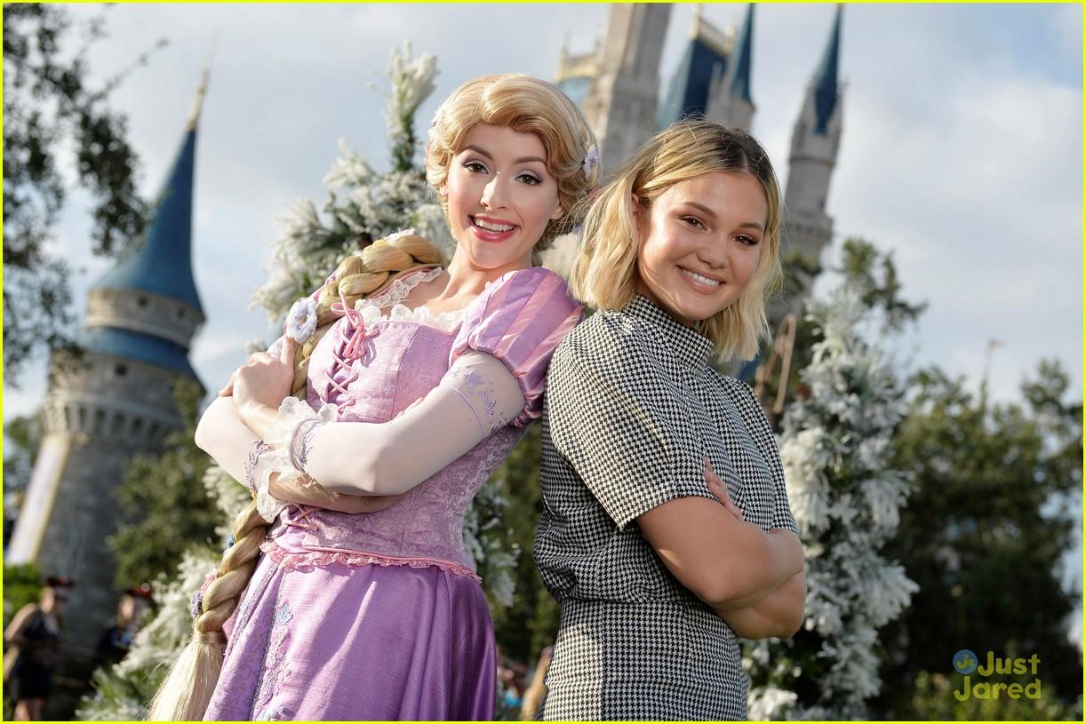 Disney Parks' Magical Christmas Day Parade 2018