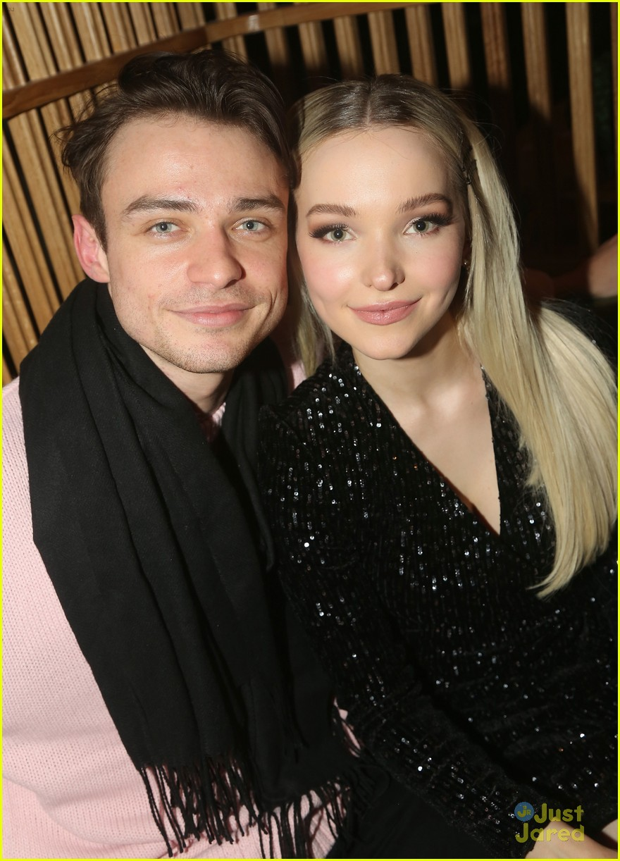 Thomas Doherty Cutely Sneaks Up On Dove Cameron At Clueless The