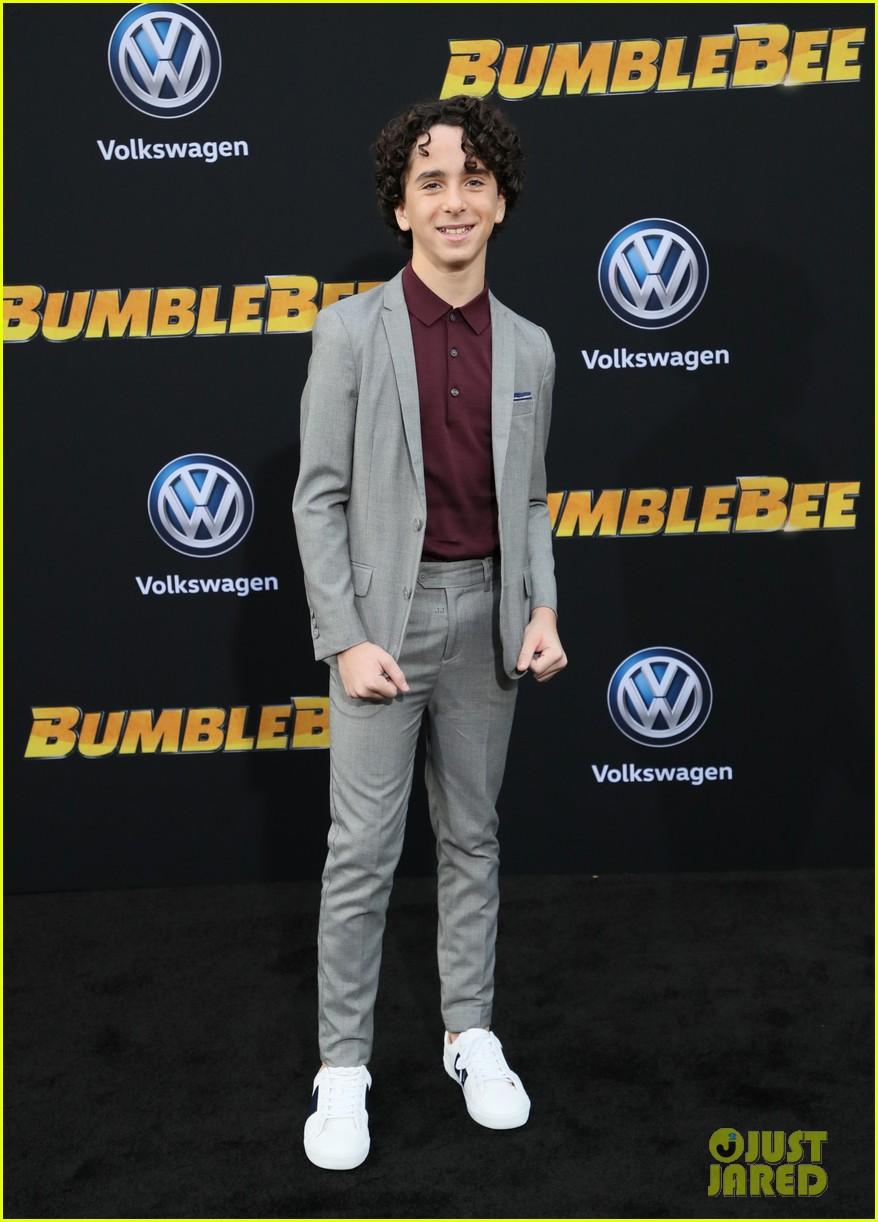hailee steinfeld john cena attend hollywood premiere of bumblebee 10