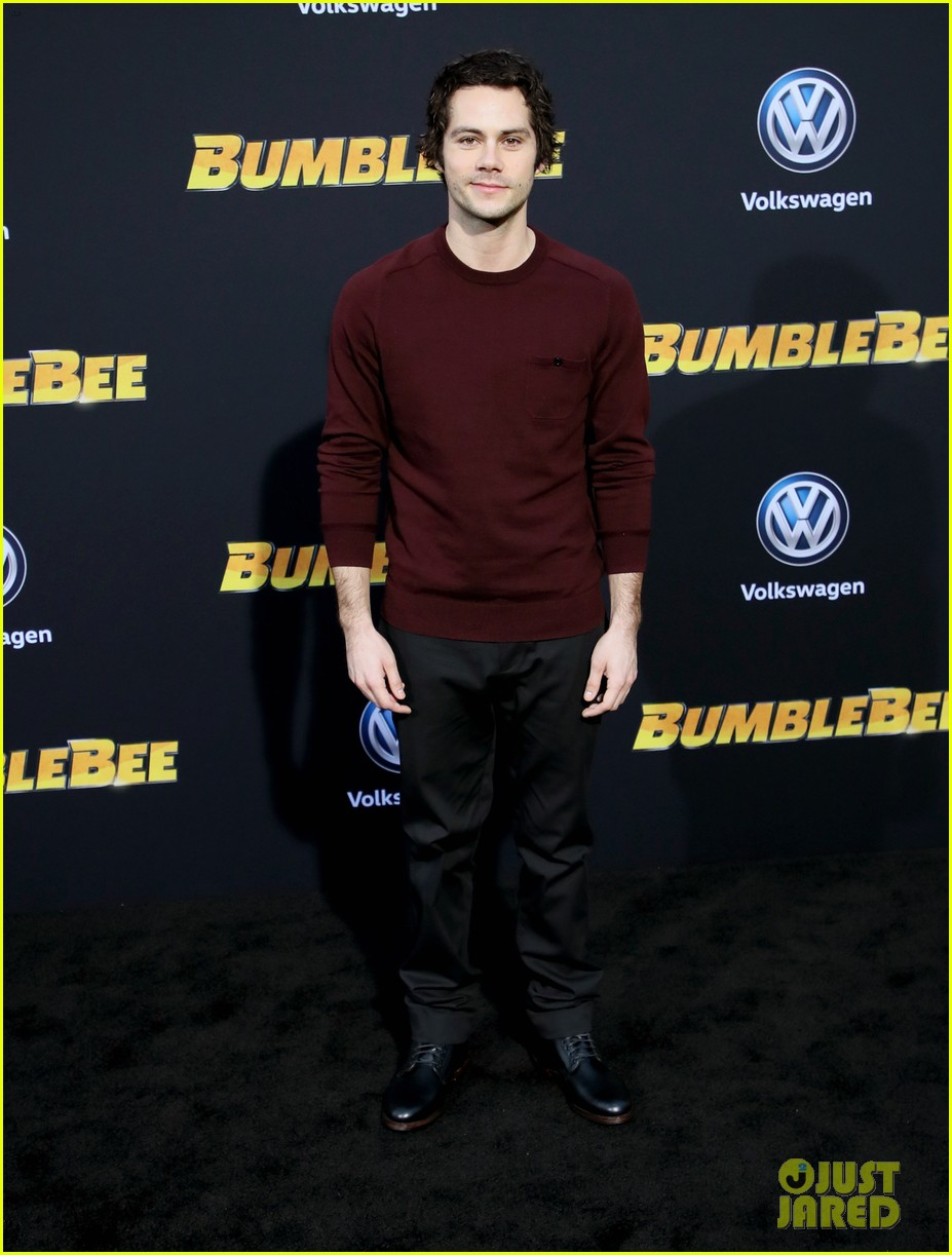 hailee steinfeld john cena attend hollywood premiere of bumblebee 12