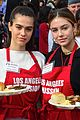 amelia delilah hamlin volunteer to dish out holiday meals 02