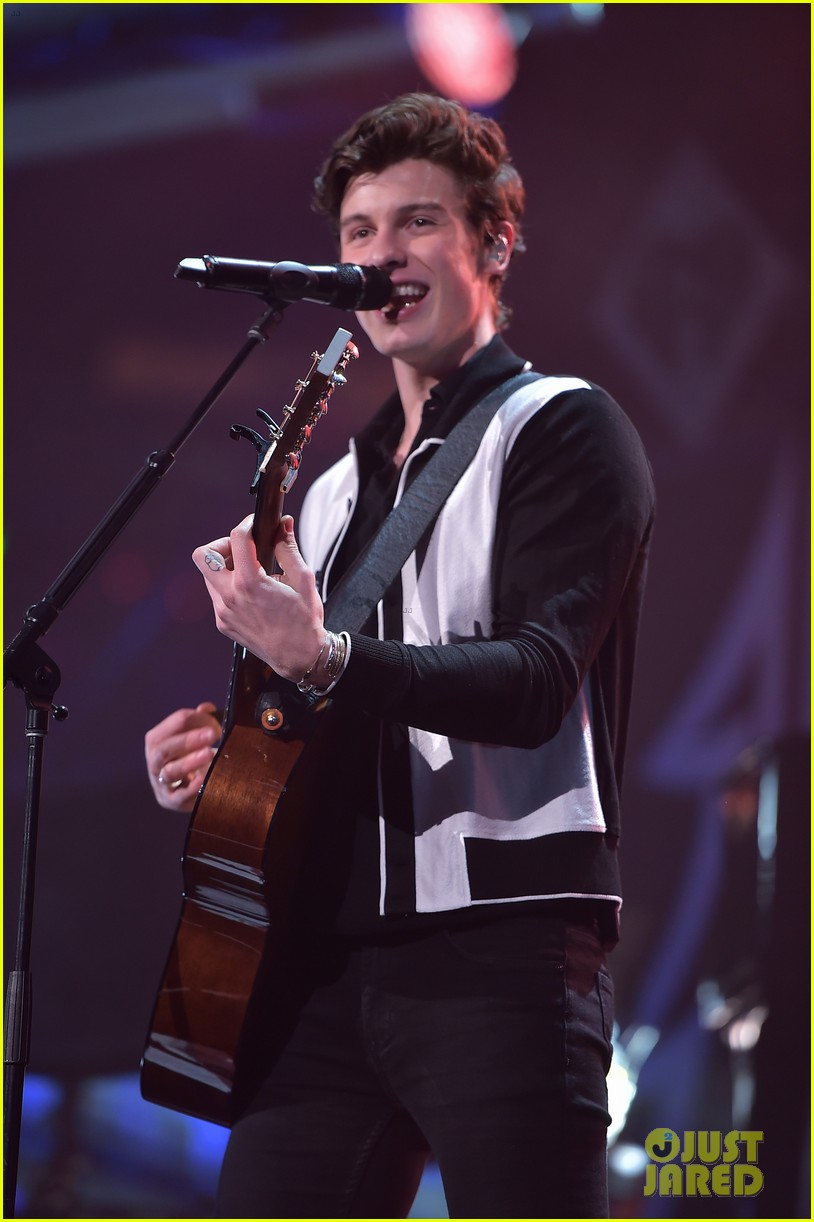 jingle ball z100 december 81