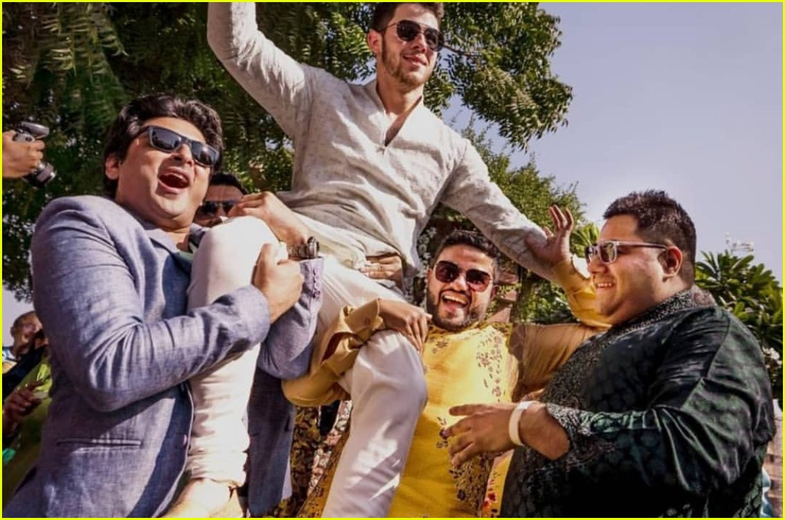 Priyanka Chopra Amp Nick Jonas Get Henna Tattoos In Photos From Mehendi Ceremony Photo 1202584