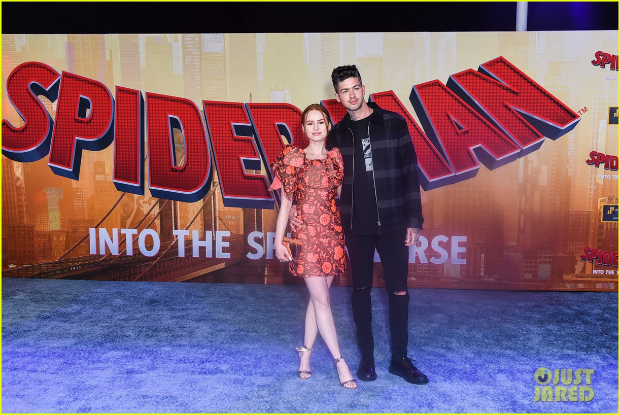 madelaine petsch travis mills couple up at spiderman premiere 03