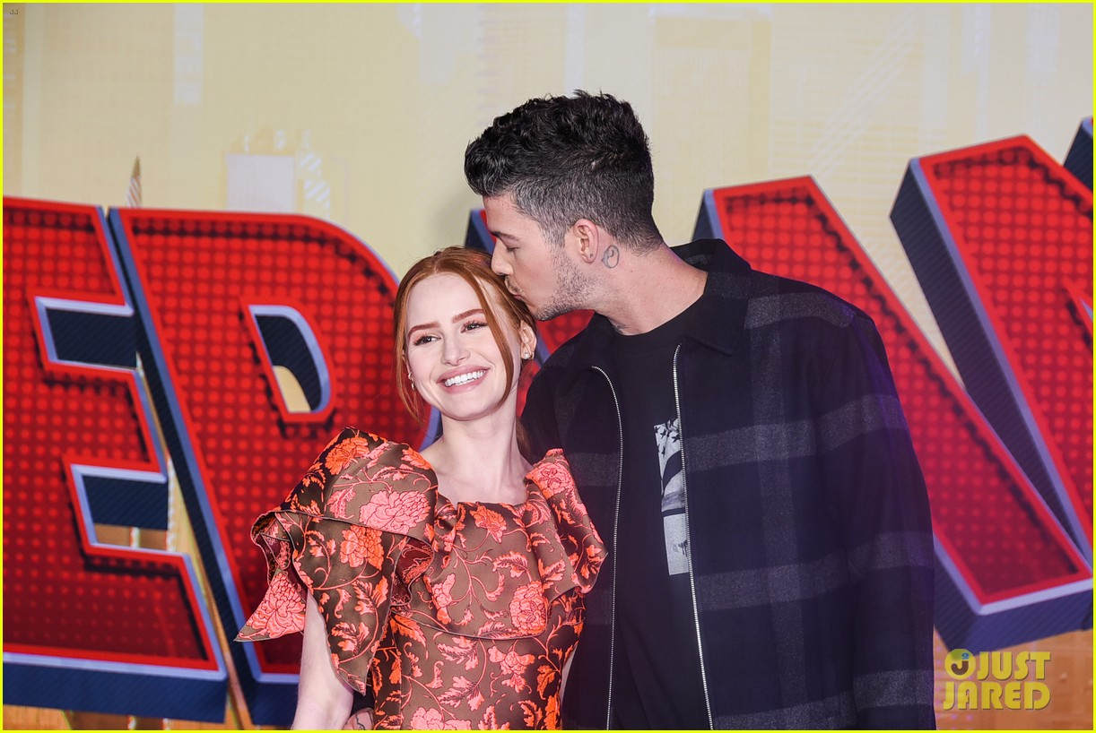 madelaine petsch travis mills couple up at spiderman premiere 15