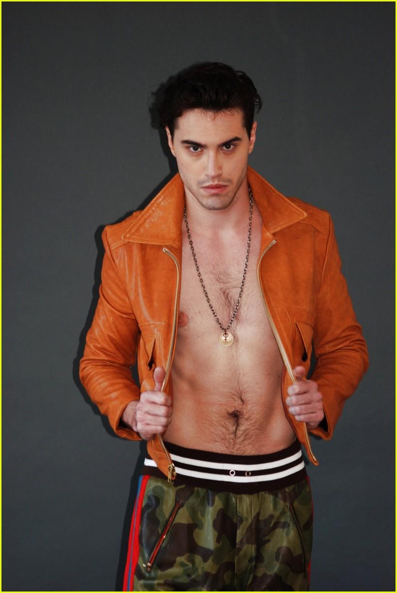 ryan mccartan shirtless photo shoot 01