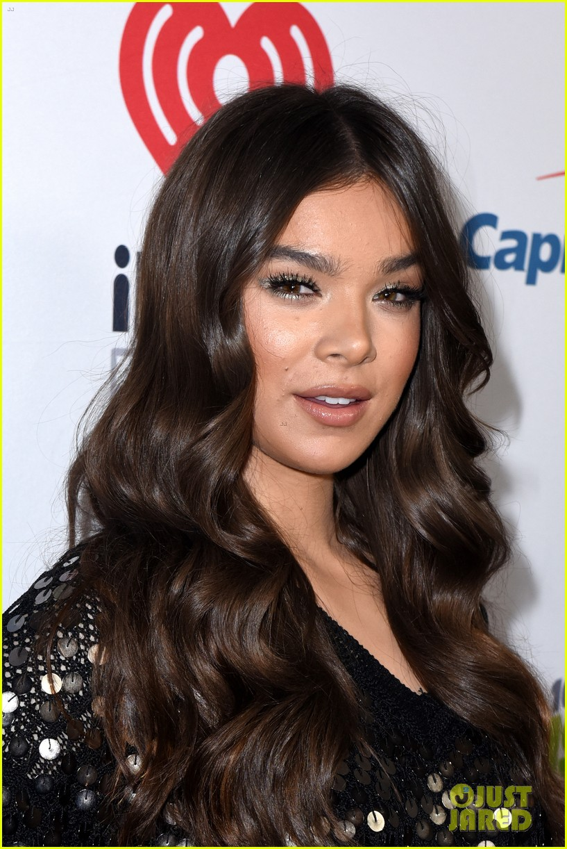hailee steinfeld jingle ball los angeles 18
