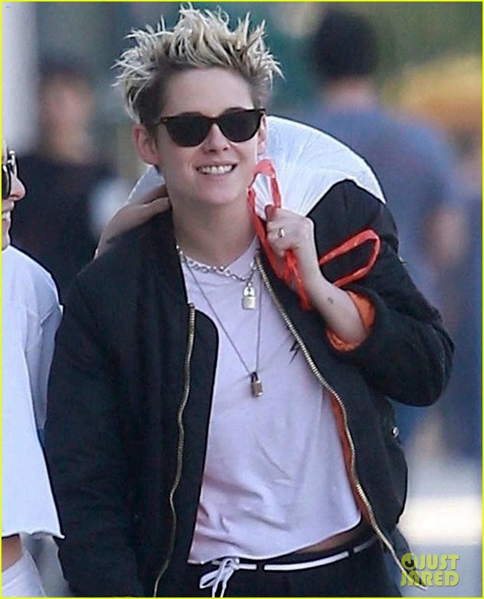 Kristen Stewart Wears Same Jacket As Sara Dinkin Hours