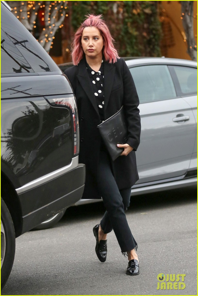ashley tisdale debuts bright pink hair in weho 03