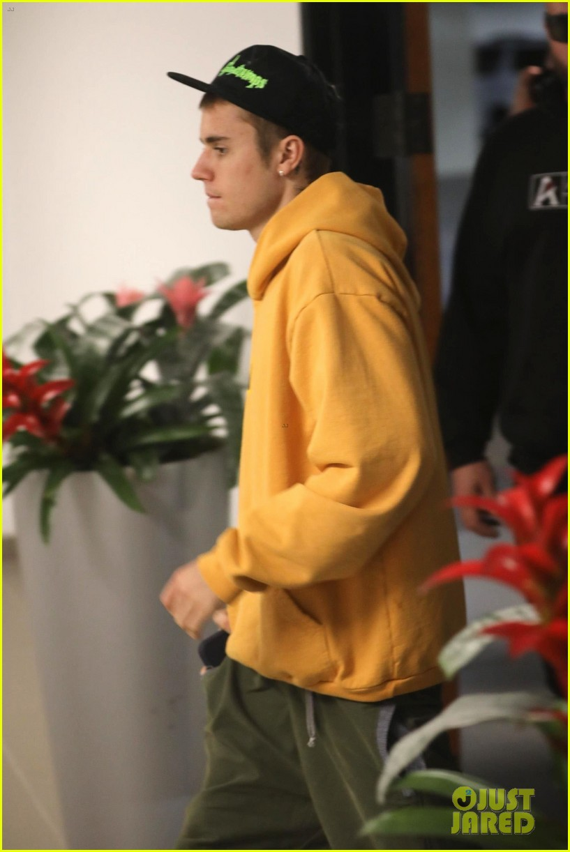 hailey justin bieber end their day with a meeting 04