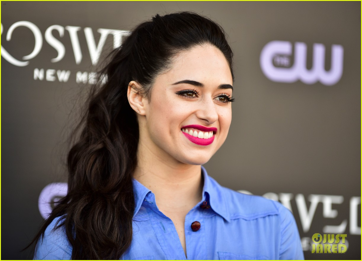 tyler blackburn joins jeanine mason nathan parsons at roswell new mexico premiere 10