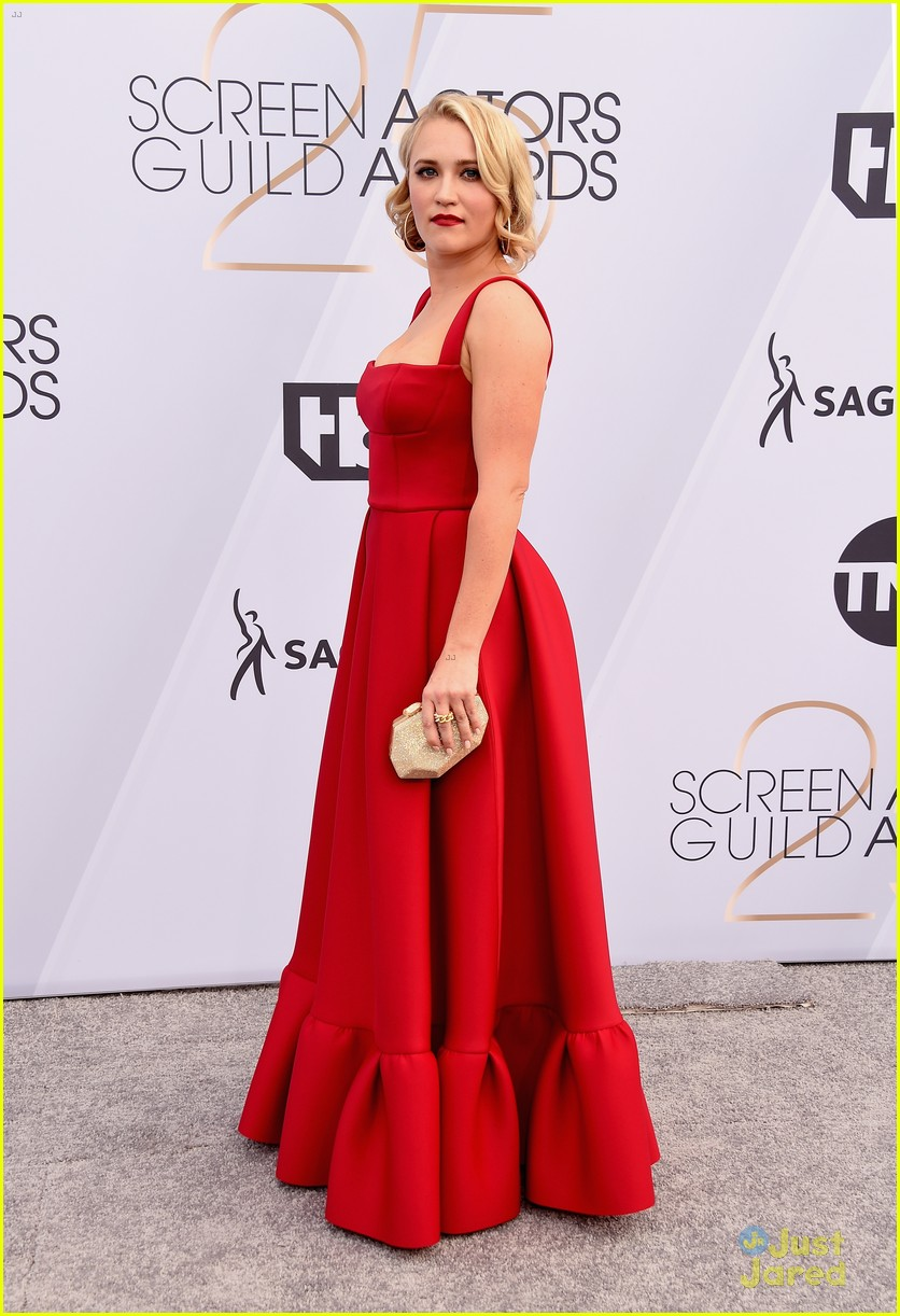 emily osment red hot sag awards 2019 01