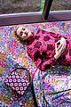 julia garner kiki layne and sadie sink get colorful for kate spades spring 2019 campaign 09