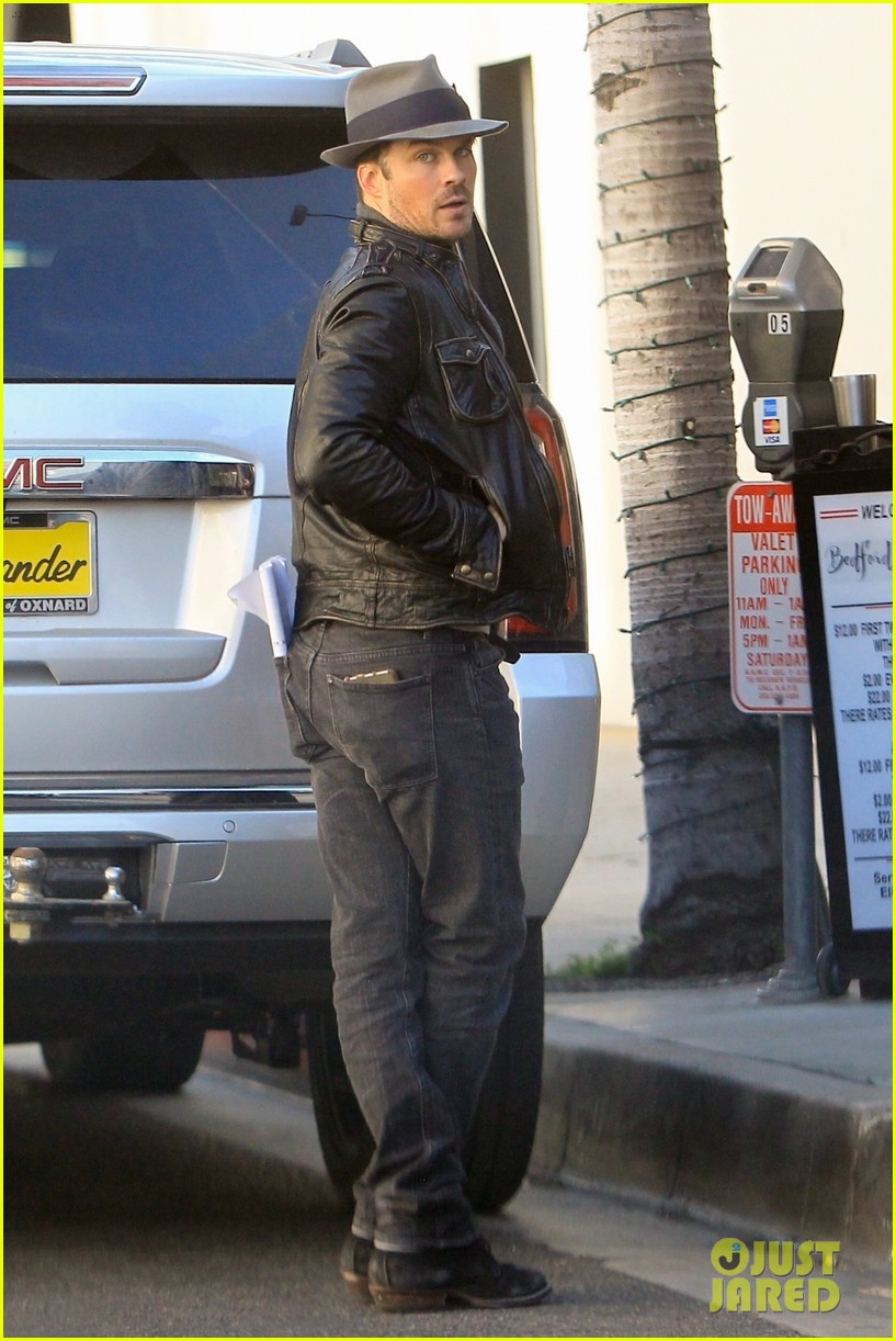 ian somerhalder steps out lunch in la 02