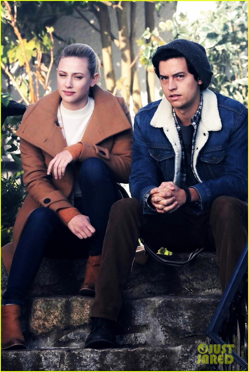 Cole Sprouse & Lili Reinhart Film Sweet Bughead Scenes for 'Riverdale':  Photo 1210635 | Cole Sprouse, Gina Gershon, Lili Reinhart, Skeet Ulrich  Pictures
