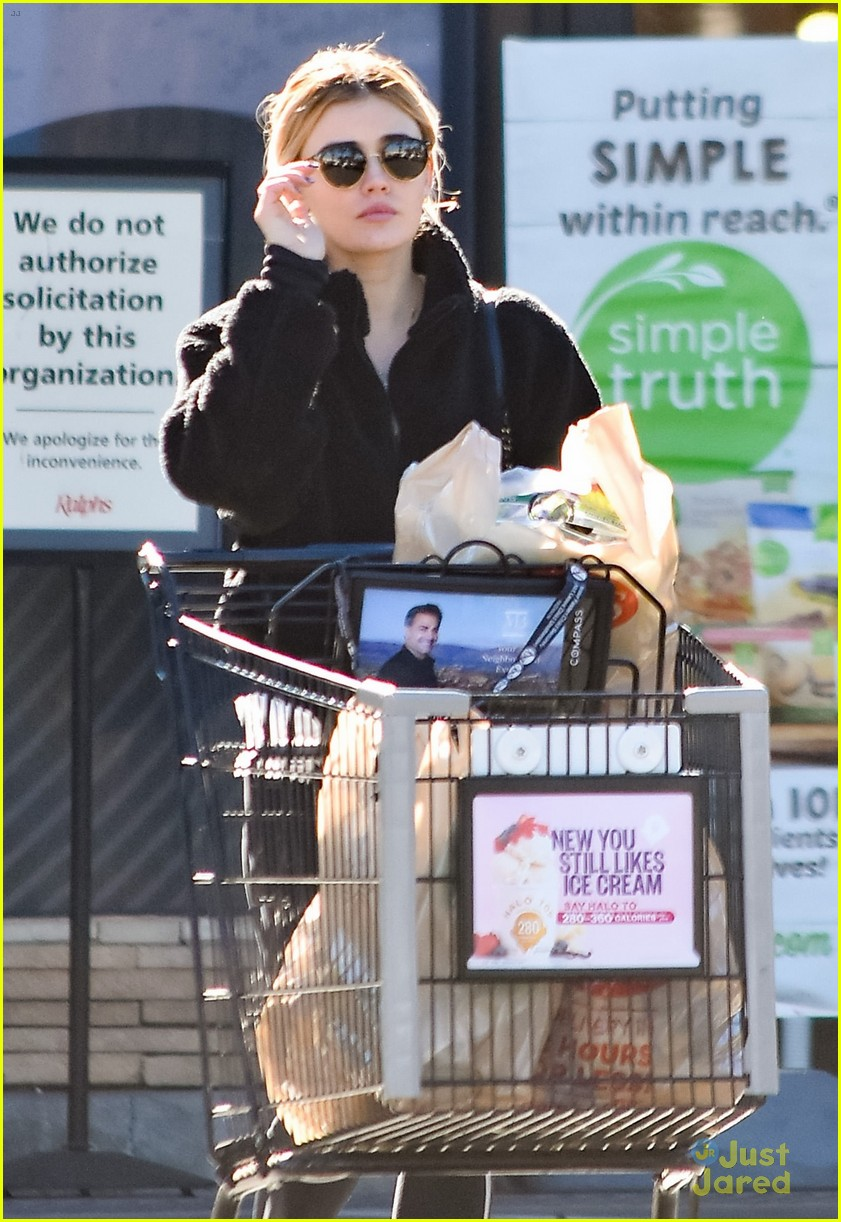 lucy hale groceries fantasy island talk 04